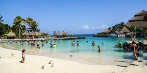 Flights to Cancun, Mexico from $1041 return flying Qantas/American – Save $160!